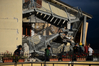 [포토]이탈리아 지진, 붕괴된 건물에 `망연자실`