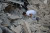 [포토]이탈리아 지진, `생존자를 위한 울부짖음`